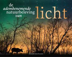 De adembenemende natuurbeleving van licht - Fotograaf, avonturier en auteur Jolanda Linschooten neemt je in haar schitterende fotoverhalenboek mee op haar adembenemende reizen naar licht. Licht bestaat uit een serie fotoverhalen, overwegend van boven de noordpoolcirkel. De beleving van het arctische licht staat centraal – licht dat mensen in beweging brengt, zoals het noorderlicht, pastellicht, sneeuwlandschapslicht, midzomerszonlicht en poolnachtenlicht. Lees verder op www.boeks.com Reading, Movie Posters, Herbs, Books Online, Reading Books, Author, Animales, Calendar Date, Libraries