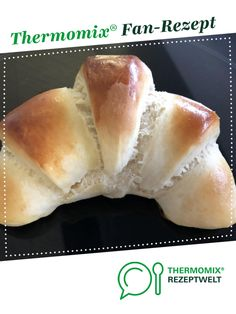 Breakfast croissant-Frühstückshörnchen Breakfast croissants from Dannysan. A Thermomix ® recipe from the Bread & Buns category www.de, the Thermomix ® community. Mexican Breakfast Recipes, Mexican Food Recipes, Vegetarian Recipes, Bread Bun, Evening Meals, Food Items, Baby Food Recipes, Easy Meals, Food And Drink