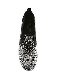 SKULL | Shoes | HOTTOPIC ~Paisley Skull Sneakers~