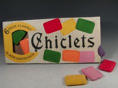 Pinner says: You would have to chew several to get much chewing gum . but they were colorful and fun. Then they came up with the mini Chiclets! :) It would take a handful to make a nice chewing wad. My Childhood Memories, Childhood Toys, Sweet Memories, Retro Candy, Vintage Candy, Vintage Sweets, Vintage Food, I Remember When, Chewing Gum