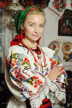 Women from Ukraine and Russia are looking for good, honest and reliable men like you! Ukraine, Folk Fashion, Ethnic Fashion, Romanian Women, Eslava, Folk Embroidery, Folk Costume, World Cultures, Traditional Dresses