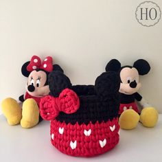 Execução Studio Hands On Crochet Basket Pattern, Knit Basket, Crochet Square Patterns, Crochet Patterns For Beginners, Knitting Patterns, Crochet Snood, Crochet Case, Baby Blanket Crochet, Hand Crochet