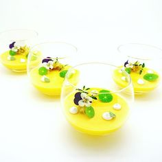 Mango & yuzu pudding .