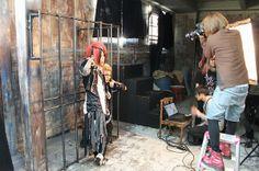 【バンタンデザイン研究所】雑誌『Cure』でヘアメイクデビュー☆ヴィジュアル系バンド「RevleZ(レブレス)」のヘアメイク&スタジオ撮影現場に密着!