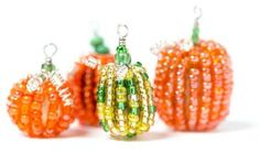 Pumpkin Beads - very seasonal.  The instructions suggest using monofiliment.  #seed #bead #tutorial