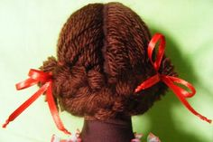 doll hair detail
