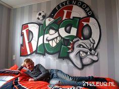 Muurschildering Feyenoord voetbal graffiti jongenskamer Kidsroom, Graffiti Art, Disney Characters, Fictional Characters, Ronaldo, Robin, Graphics, Sport, Kunst