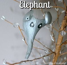 Kid's Crafts - Painted Seashells Elephant Christmas Ornament Black Acrylic Paint, Acrylic Craft Paint, White Acrylics, Craft Projects For Kids, Arts And Crafts Projects, Seashells, Christmas Tree Ornaments, Holiday Fun, Elephant