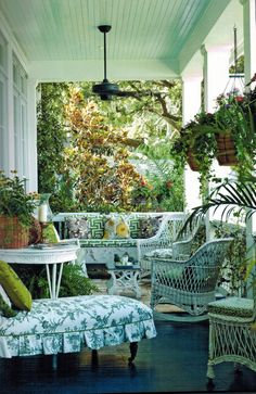 Will there be anything a lot more attractive than cozy household furniture by using an attractive deck? Whether it is a entrance deck that embraces site visitors or a back veranda that's private an… Front Porch Furniture, Wicker Furniture, Outdoor Furniture Sets, Garden Furniture, Painted Furniture, Furniture Design, Wicker Dresser, Wicker Mirror, Wicker Shelf