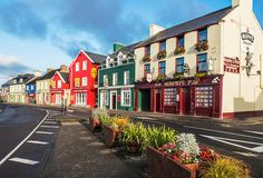 Welcome to the Emerald Isle! A land of rolling greenery, craggy mountains, mysterious Celtic ruins, crumbling castles, leprechaun-dotted forests, shanty pubs set to the ditties of Gaelic folk, rowdy beer bars and salt-sprayed coastlines, Ireland really is a wonder to behold.  Here, we take a look