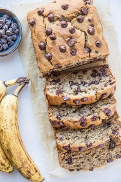 The Best Gluten-Free Banana Bread Recipe - ultra moist fluffy and delicious GF banana bread with chocolate chips - sweetened with coconut sugar! Banana Bread Almond Flour, Easy Banana Bread, Chocolate Chip Banana Bread, Chocolate Chip Recipes, Gluten Free Chocolate, Chocolate Chips, Vegan Chocolate, Vegan Fudge, Quick Bread