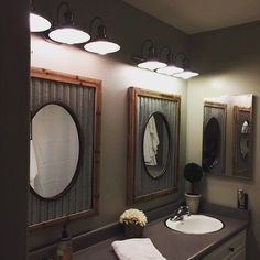 I have to admit, I never thought of using our #antiquefarmhouse #ovalmirror in tin roof frame in the bathroom. But they look gorgeous! Great job, and thank you for sharing @sweets_xoxoxo #myAFH #farmhousedecor #farmhousestyle #farmhouseinspired #rusticdecor #rustic #bathroom #bathroomdecor #bathroommirror #farmhouse #mirror