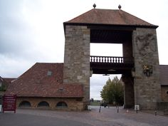 The Southern Wine Route begins at the german wine gate in Schweigen-Rechtenbach and ends in the area of Diedesfeld. Southern Wine Route is also the name of a district in the south of rhineland-palatinate, Germany.