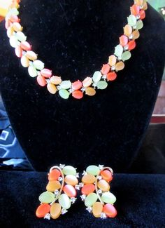 VINTAGE LISNER GOLD MULTI COLOR TONE THERMOSET PLASTIC NECKLACE & EARRING SET #Lisner