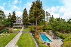 Check out this amazing Luxury Retreats  property in California - Los Angeles, with 5 Bedrooms and a pool. Browse more photos and read the latest reviews now.