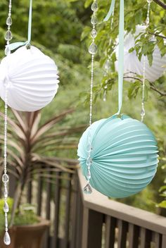 This is Wedding Decor but these are the paper light hanger things that i want to hang up in my room:}