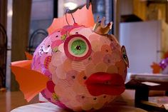 glue and paper: Fish Pinata, love the scales on this pinata