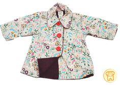 Cappotto in cotone , reversibile , fantasia floreale da un lato e velluto mille righe dall'altro. Tasche sui due lati.  Perfetto per la mezza stagione.  Acquista qui: http://www.zazieshop.it/collections/abbigliamento/products/cappotto-1