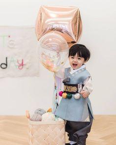 Cute Baby Boy, Cute Little Baby, Little Babies, Baby Love, Cute Boys, Baby Kids, Cute Asian Babies, Korean Babies, Asian Kids