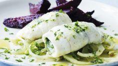 Ovnbagt fisk med rødbeder og fennikel