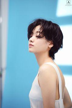 Short Hair Tomboy, Girl Short Hair, Short Hair Cuts, Tomboy Hairstyles, Cool Hairstyles, Lee Joo Young Hair, Hair Inspo, Hair Inspiration, Androgynous Haircut