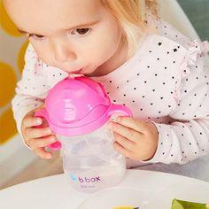 Vaso de entrenamiento para niños del grupo de productos de puericultura Olmitos.