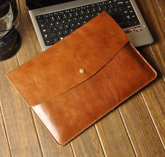 Macbook Cover Macbook Case leather Macbook Pro Retina Macbook Air New / Old leather Sleeve Laptop Sleeve Case Cover Leather Gifts, Leather Clutch Bags, Leather Handbags, Leather Wallet, Mac Book, Notebook Apple, Leather Folder, Leather Laptop Case, Mac Laptop