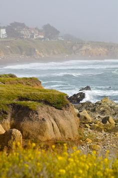 Cambria S Stunning Cliffs Cambria Ca Moonstone Beach Small Towns In California, Places In California, Visit California, California Travel, Cambria California, Central California, California Wine, California Coast, California Style
