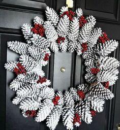 20 Strikingly Unique Christmas Wreath Ideas - Holiday wreaths christmas,Holiday crafts for kids to make,Holiday cookies christmas, Bauble Wreath, Diy Wreath, Wreath Ideas, Gold Christmas Decorations, Christmas Ornaments, Holiday Crafts, Holiday Decor, Simple Christmas, Silver Christmas