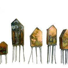 koperen huisjes Clay Houses, Ceramic Houses, Bird Houses, Ceramic Clay, Sculptures Céramiques, Book Sculpture, Abstract Sculpture, Pottery Houses, Paperclay
