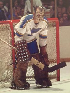 Glenn Hall Hockey Baby, Hockey Goalie, Hockey Games, Hockey Players, Ice Hockey, St Louis Blues Goalies, Men Of Courage, Goalie Mask, Vancouver Canucks