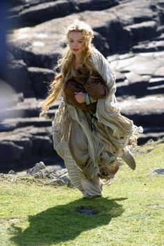 Sophia Myles in Tristan and Isolde Fantasy Characters, Female Characters, Story Inspiration, Character Inspiration, Tristan Isolde, Sophia Myles, Medieval, Period Dramas, Gods And Goddesses