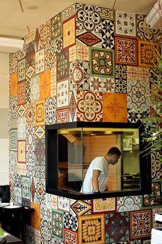 Haj Kahil restaurant in Jaffa Restaurant Oriental, Persian Restaurant, Deco Restaurant, Outdoor Restaurant, Bakery Interior, Restaurant Interior Design, Design Café, Cafe Design, Design Logo
