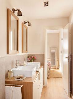 Ideas for Decorating a Peach Bathroom Sea Bathroom Decor, Peach Bathroom, Bathroom Interior, Bathroom Inspiration, Interior Inspiration, Decor Interior Design, Interior Decorating, Bathroom Under Stairs, Modern Baths
