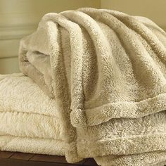 """ORVIS """"the Softest Blanket Ever""""  http://www.orvis.com/store/product.aspx?pf_id=1E46=127748_mmc=GoogPLA-_-Prod_feeds-_-Prod_feeds-_-127748=1019187269=pla#"""
