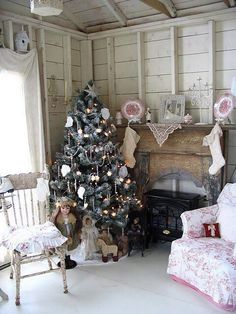 I Heart Shabby Chic Christmas Cottage Decor 2015 | I Heart Shabby Chic
