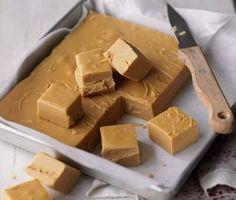 397 g salka,     150 ml mlieka,     450 g trstinového cukru,     115 g masla. dajte do hrnca a za stáleho miešania nad miernym ohňom  priveďte do varu, nechajte prebublávať 10 až 15 minút. Zmes je hotová ak trošku kvapnete do pohára studenej vody, v ktorej by sa mala vytvoriť gulička, resp. má teplotu 118 °C.     Hrniec zložte zo sporáka a miešajte do zhustnutia. Vylejte do formy (20 x 20 cm) vyloženej papierom, vychladnuté krájajte.