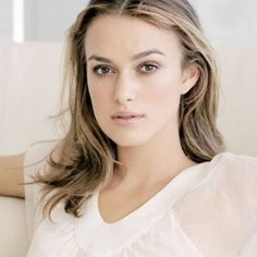 MAKEUP TIPS FOR SQUARE FACE LADIES Keira Knightley, Keira Christina Knightley, Elizabeth Swann, Hot Actresses, Hollywood Actresses, Beautiful Actresses, Most Beautiful Women, Beautiful People, Dead Beautiful