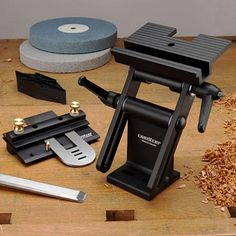 Veritas Tool Rest and Grinding Jig by Garrett Wade