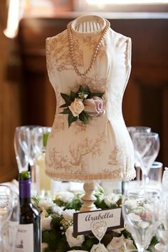 Planning a #vintage style wedding? Our new blog by Preloved member and new bride is a MUST READ, packed with advice for creating some timeless romance for your big day.