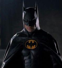 Batman looks on as Penguin scares Ice Princess off roof Batman And Batgirl, Im Batman, Batman Arkham, Batman Robin, Dc Movies, Action Movies, Michael Keaton Batman, Batman Wallpaper, Batman Returns