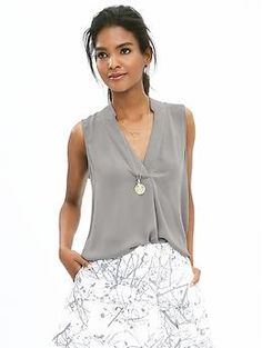 Notched Sleeveless Popover Blouse | Banana Republic £45