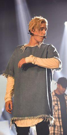 Justin Bieber wearing Marques'Almeida at the Radio 1 Teen Awards in London