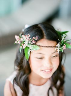 Tropical flower girl crown: http://www.stylemepretty.com/little-black-book-blog/2016/06/30/red-hawaiian-wedding/ | Photography: Aria Studios - http://www.ariastudios.com/