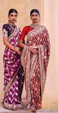 These Sabyasachi Saree are stunning in the designer saree spectrum! Find more Sabyasachi saree, Sabyasachi Lehenga and Sabyasachi Dress on Happy Shappy Saree Draping Styles, Saree Styles, Indian Attire, Indian Ethnic Wear, Indian Dresses, Indian Outfits, Ethnic Outfits, Indian Clothes, Sabyasachi Dresses