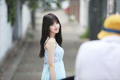 Kpop Girl Groups, Kpop Girls, Sinb Gfriend, Entertainment, G Friend, Rapper, Idol, White Dress, Elegant