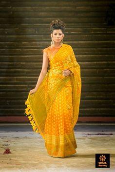 Jamdani Muslin Collection by Aarong, BD Indian Wedding Outfits, Indian Outfits, Indian Clothes, Cotton Saree, Silk Sarees, Saris, Indian Attire, Indian Wear, Saree Dress