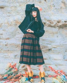 Attractive People, Japanese Models, Style Icons, Fall Winter, Autumn, Midi Skirt, Dancer, Poses, Skirts