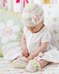 Bernat: Pattern Detail - Baby Jacquards - Frilly Top and Tootsies (knit)
