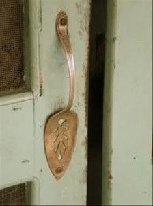 DIY Ideas- Serving spoon door handle. Why do I never think of these obvious, simple & ingenious ideas? This would look cute on garden shed door.